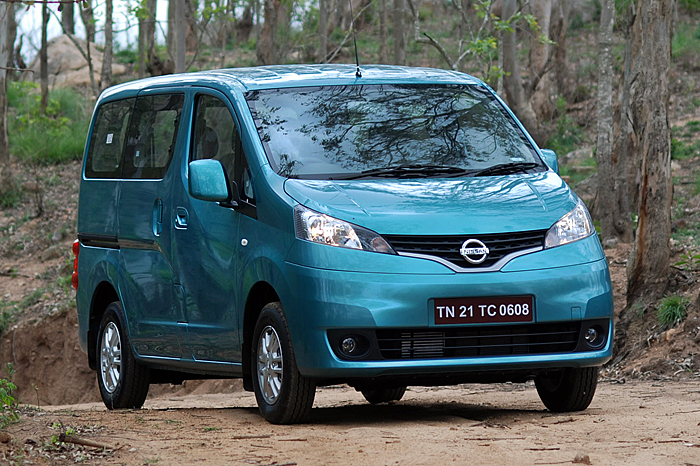 nissan evalia launched at rs l autocar india. Black Bedroom Furniture Sets. Home Design Ideas