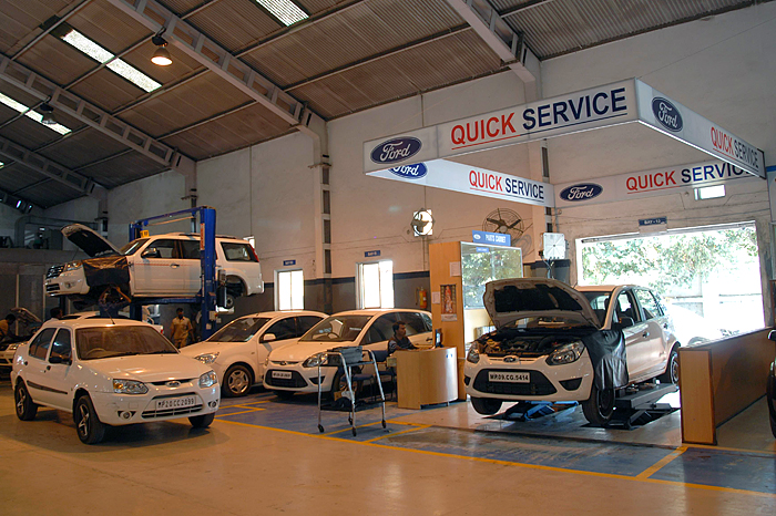Ford opens quick lane service centre autocar india for Ford motors service center