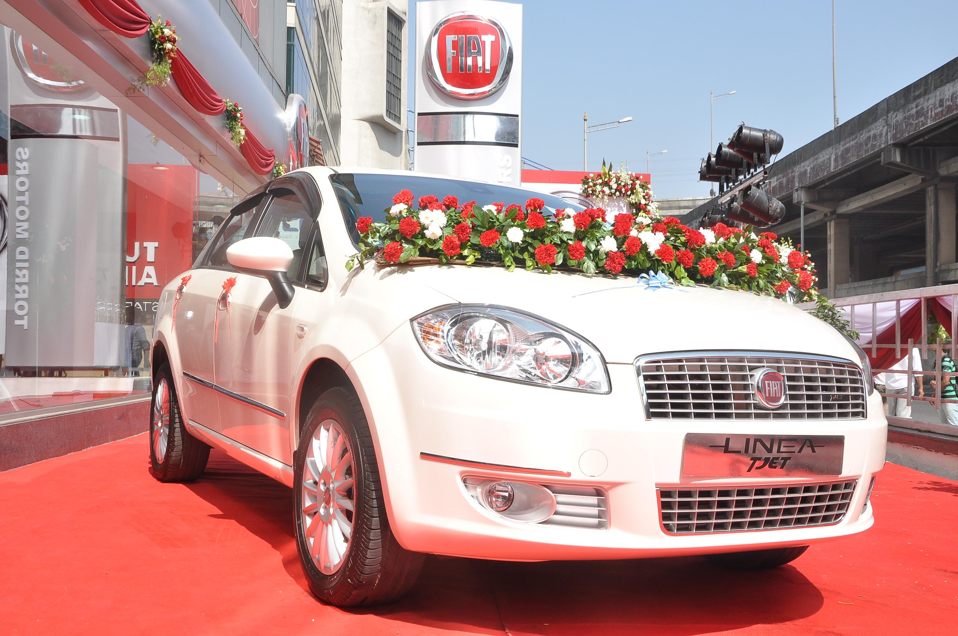 limited details automobiles fiat linea india elegante special features price edition pics
