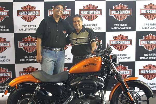 Harley Davidson opens showroom in Pune - Autocar India