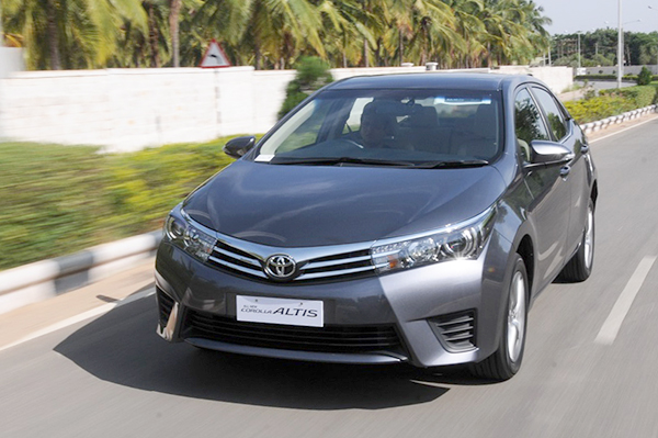 New Toyota Corolla Altis India Review First Drive