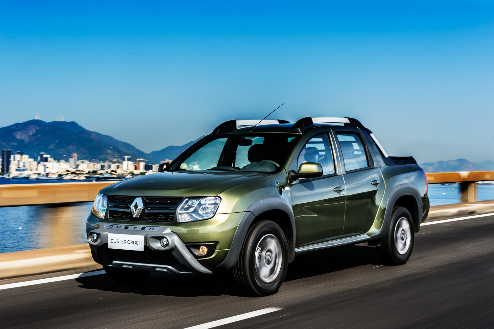 renault launches duster based pick up in brazil autocar india. Black Bedroom Furniture Sets. Home Design Ideas