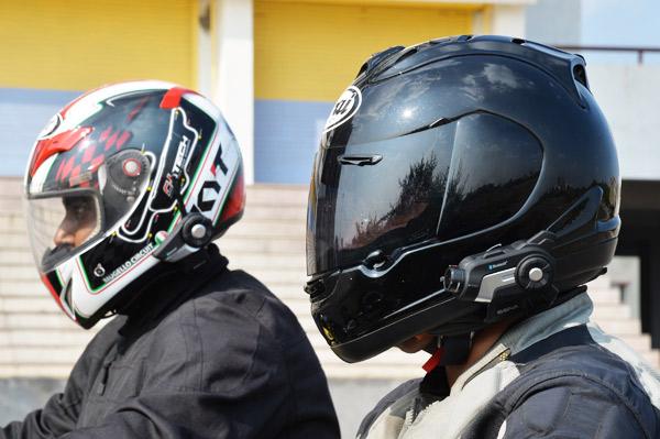 sena 10c and 20s helmet communication system review. Black Bedroom Furniture Sets. Home Design Ideas