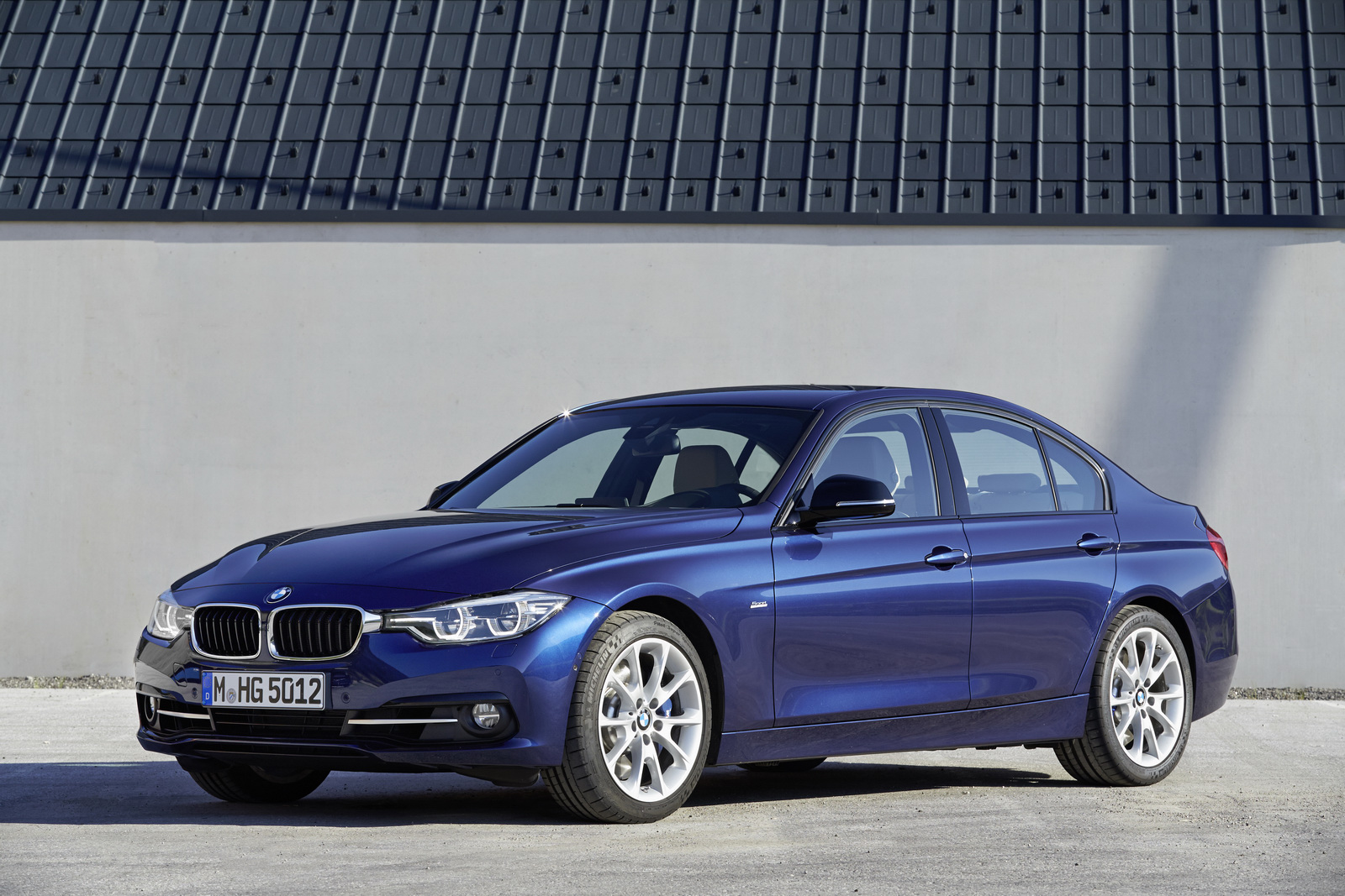 BMW 3-series facelift launched at Rs 35.90 lakh - Autocar ...