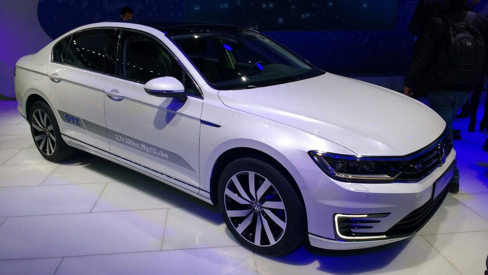 Volkswagen passat review 2017 autocar - India Bound Volkswagen Passat Gte Plug In Hybrid Showcased At The Auto Expo Autocar India