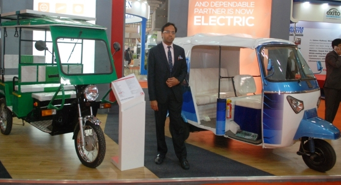 Lohia Auto Showcases New E Rickshaws Autocar India