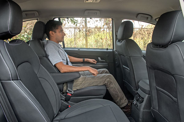 Captain chair option replicates front seat comfort; 60:40 bench is standard.