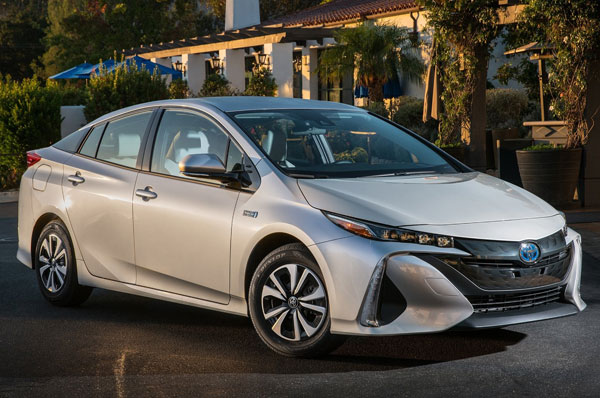 2017 World Green Car - Toyota Prius Prime
