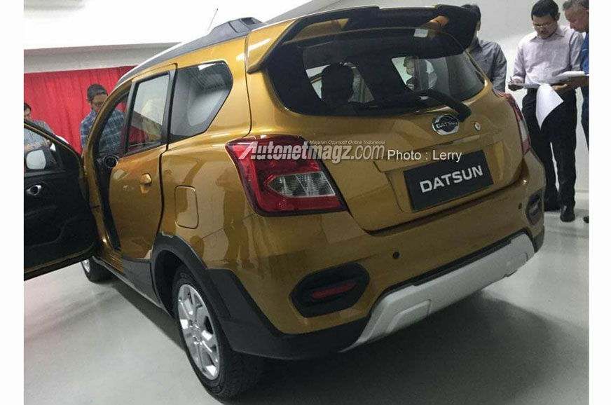 Spy pic supposedly shows Datsun Go Cross - Autocar India