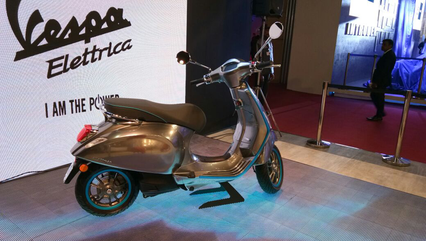 auto expo 2018 piaggio vespa elettrica e scooter unveiled. Black Bedroom Furniture Sets. Home Design Ideas