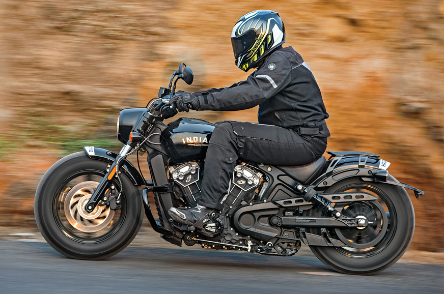 2018 indian scout bobber review test ride autocar india. Black Bedroom Furniture Sets. Home Design Ideas