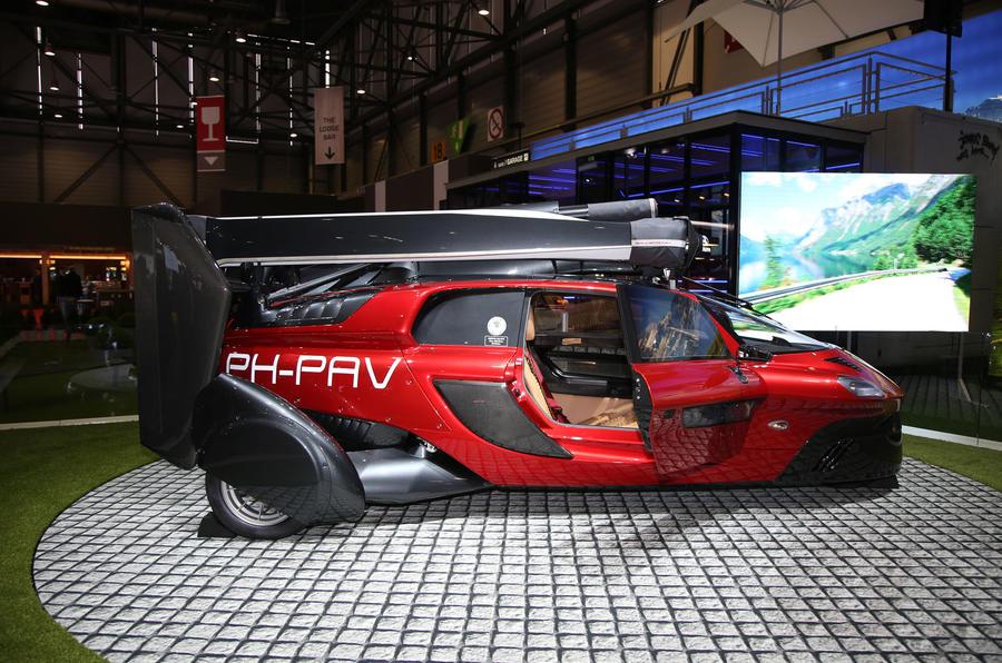 Pal V Liberty Flying Car Launched At Geneva Motor Show Autocar India