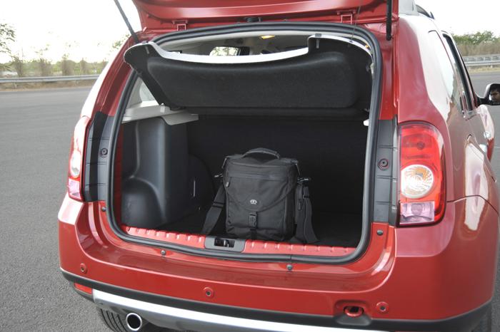 renault duster detailed image gallery autocar india. Black Bedroom Furniture Sets. Home Design Ideas