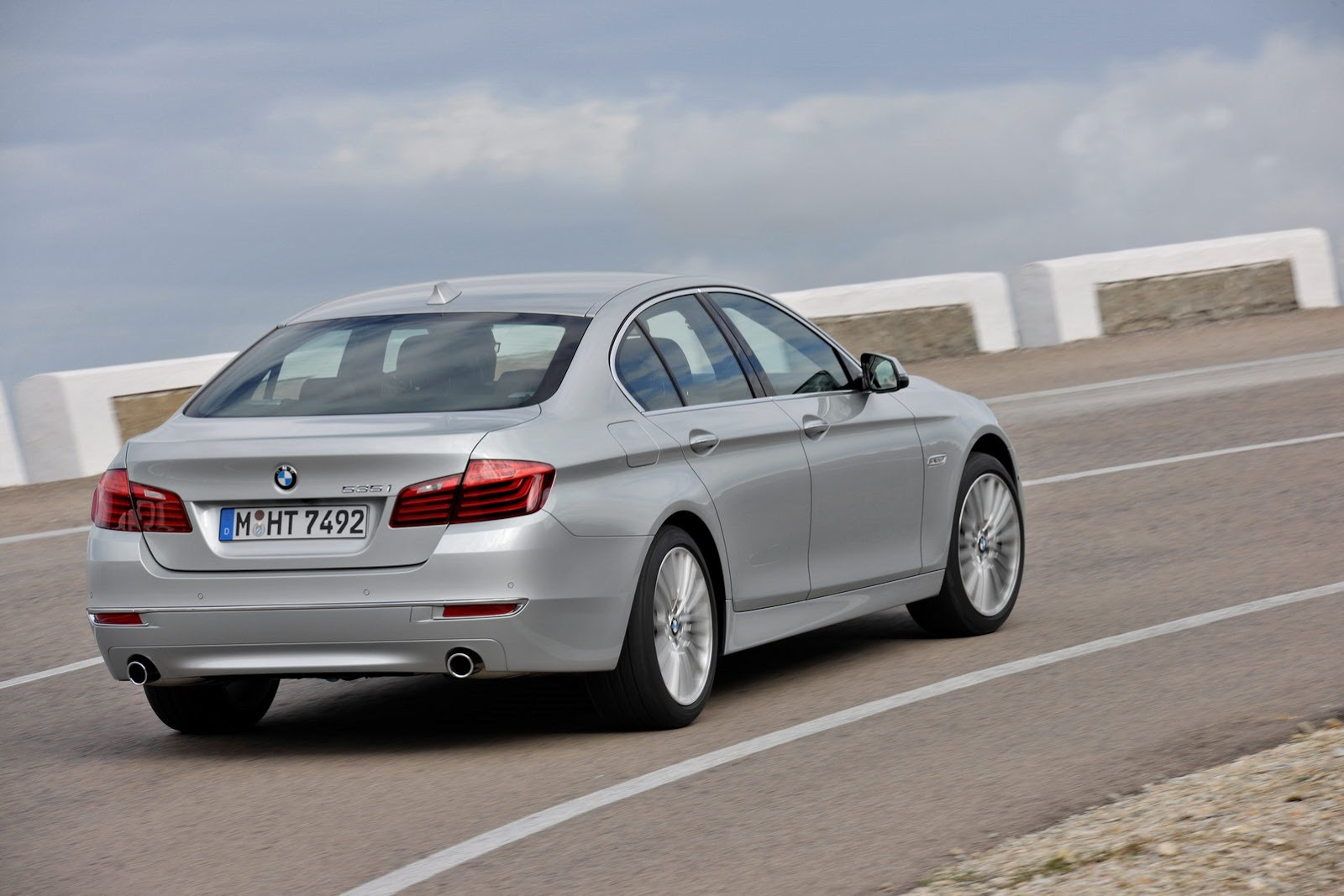bmw 5 series facelift photo gallery autocar india. Black Bedroom Furniture Sets. Home Design Ideas