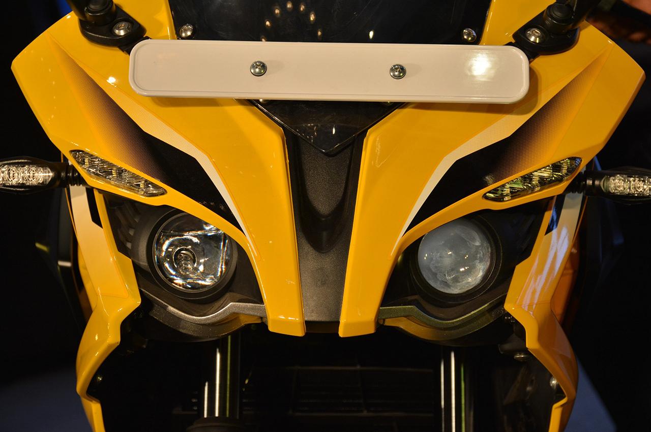 Bajaj Pulsar RS 200 Photo Gallery