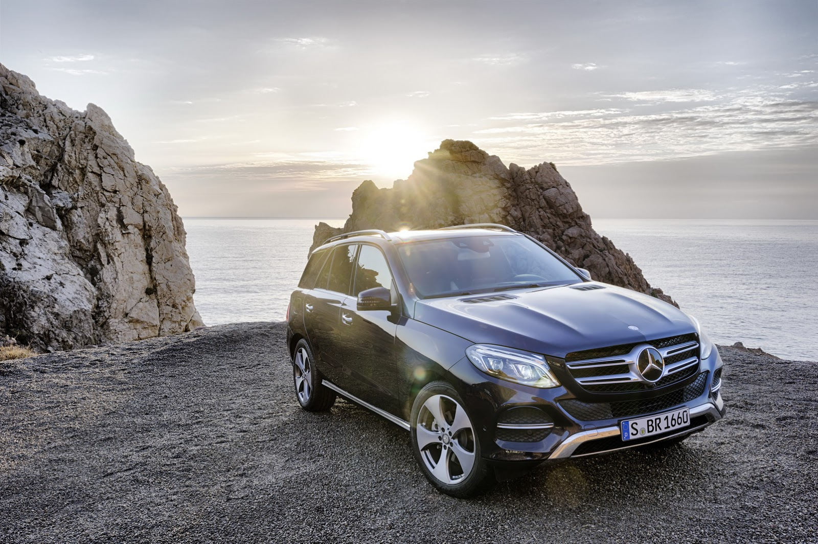 Mercedes Benz GLE SUV photo gallery