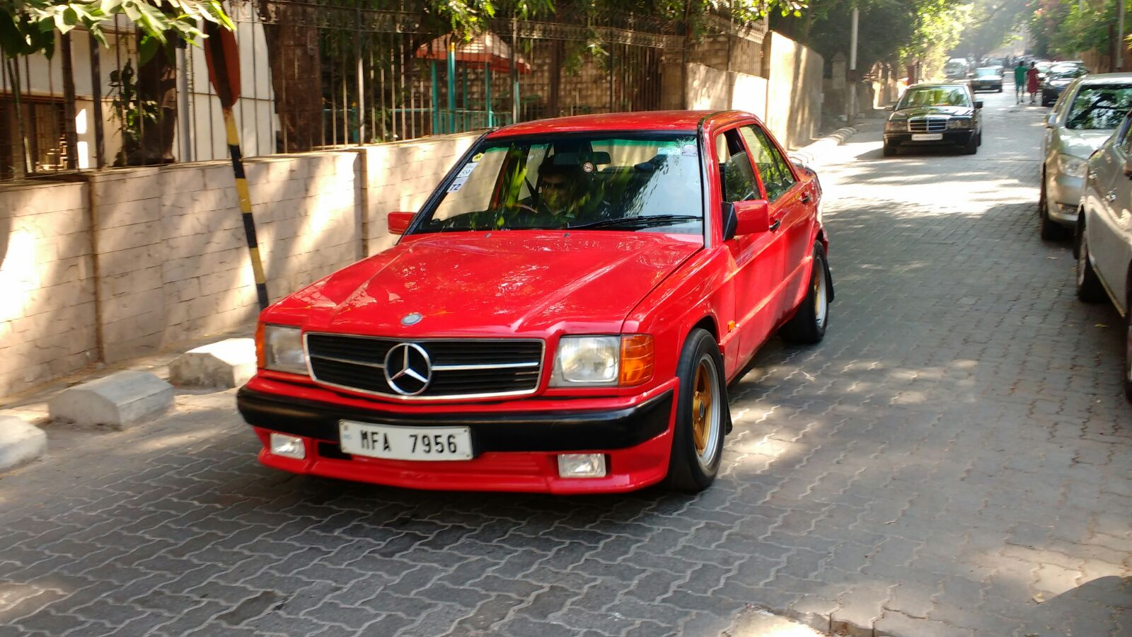2015 mercedes classic car rally photo gallery autocar india for Rally mercedes benz