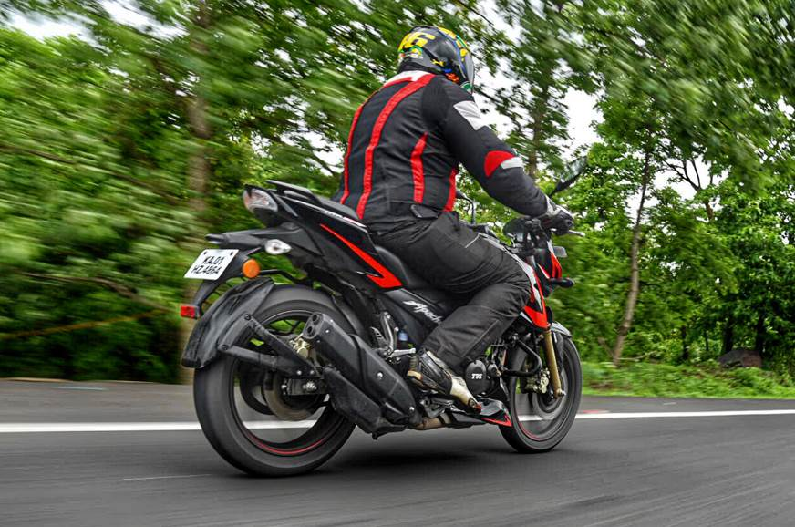 Peachy 2018 Tvs Apache Rtr 200 4V Race Edition 2 0 Review Test Gmtry Best Dining Table And Chair Ideas Images Gmtryco