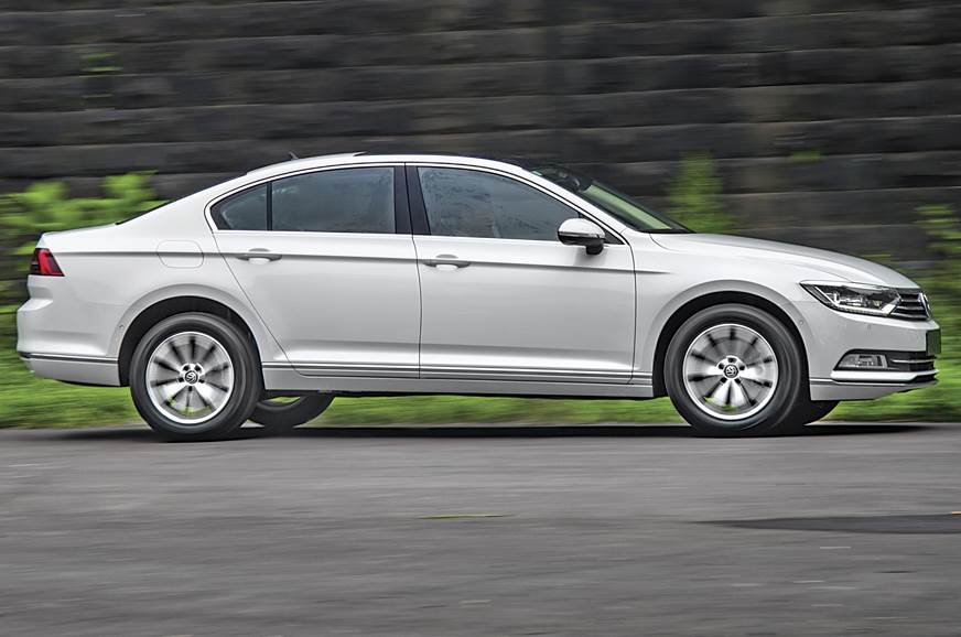 tiguan sales mainstream reviews crossover volkswagen vw review out selling for