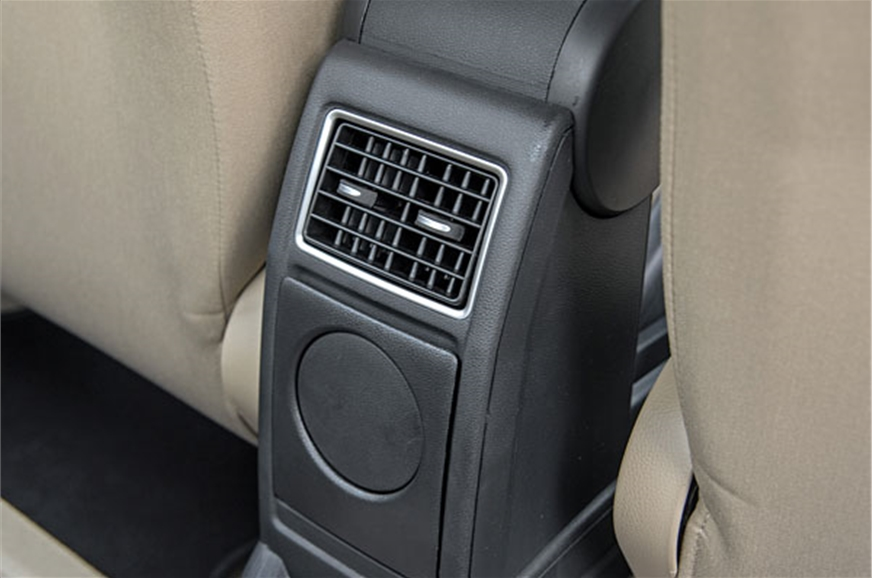 Rear AC vent unique to Ameo in this test.