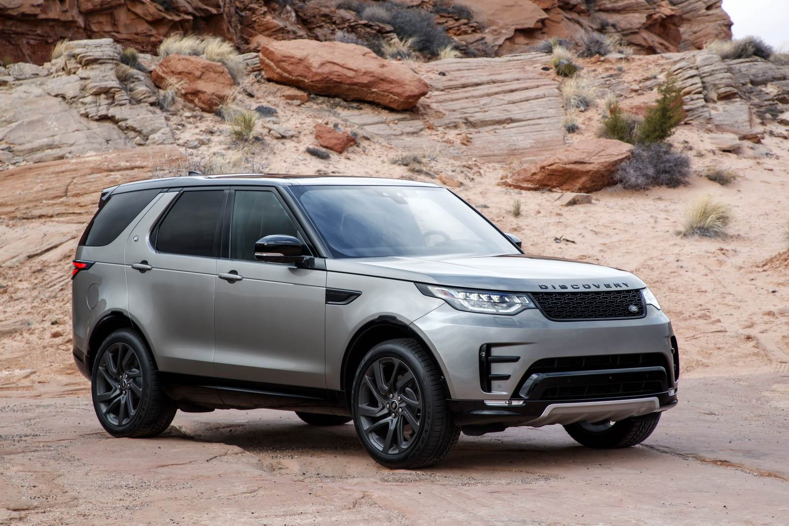 2017 Land Rover Discovery to be priced from Rs 68 lakh