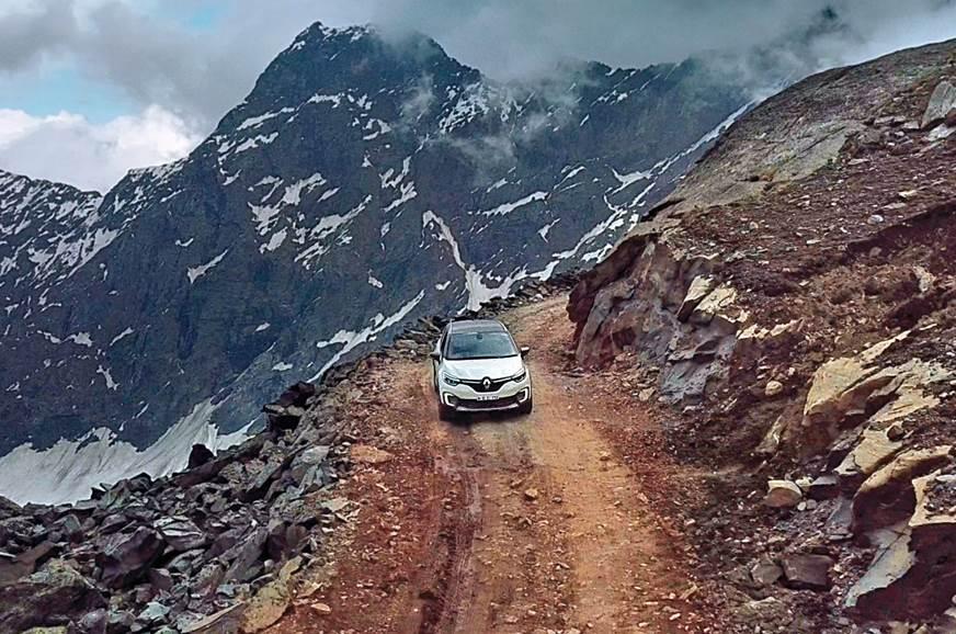 Renault Captur mountain
