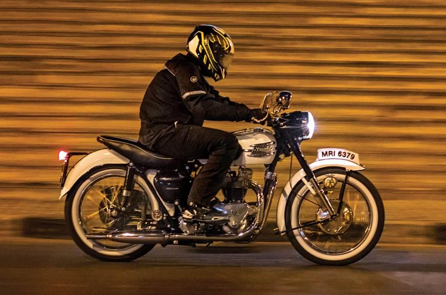 Triumph Tiger T110 feature riding
