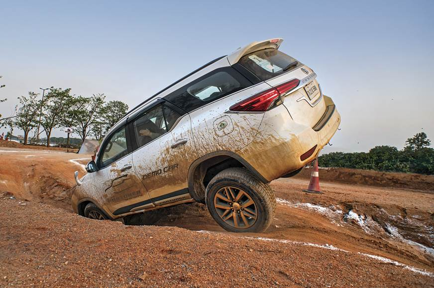 Toyota Fortuner off-road camp 2018