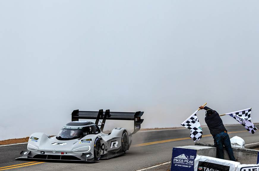 VW IDR Pikes Peak finish