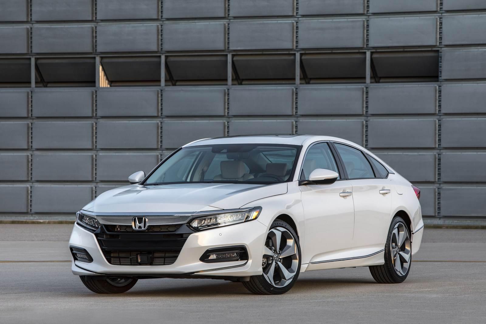 2018 Honda Accord image gallery