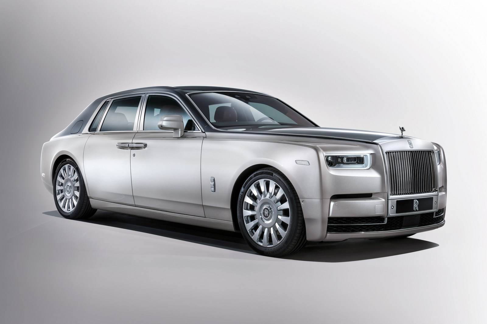 2018 Rolls-Royce Phantom image gallery