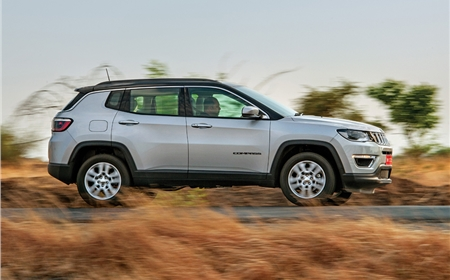 2017 Jeep Compass image gallery