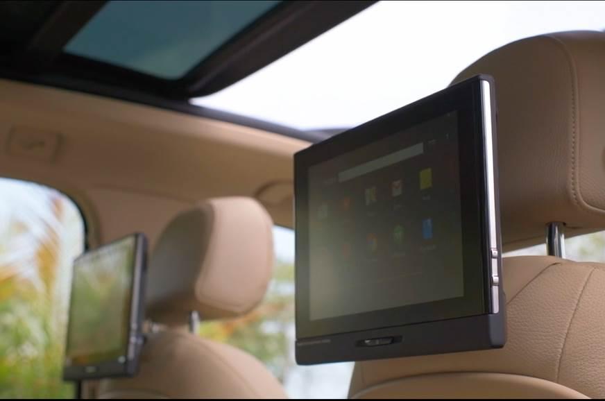 Audi Q7 Design Edition rear entertainment