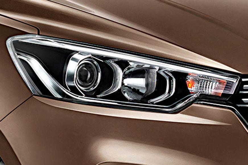 Maruti Suzuki Ertiga headlamps