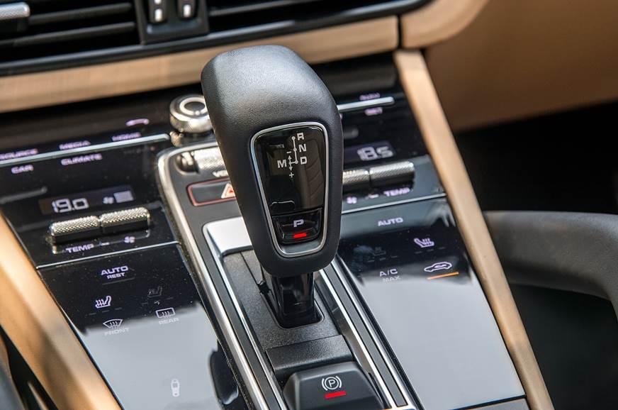 2018 Porsche Cayenne Turbo gear lever