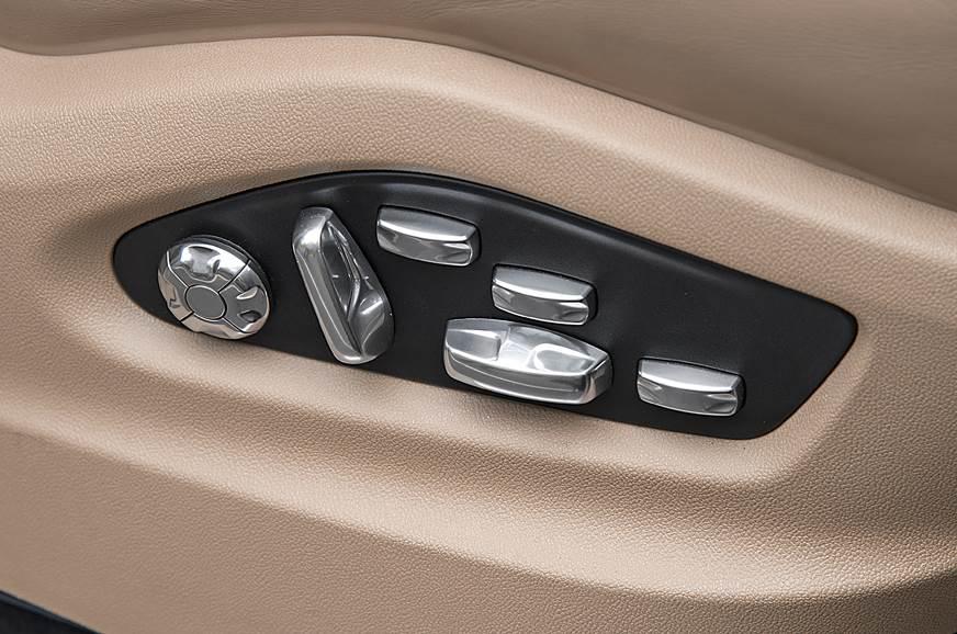 2018 Porsche Cayenne Turbo seat adjust