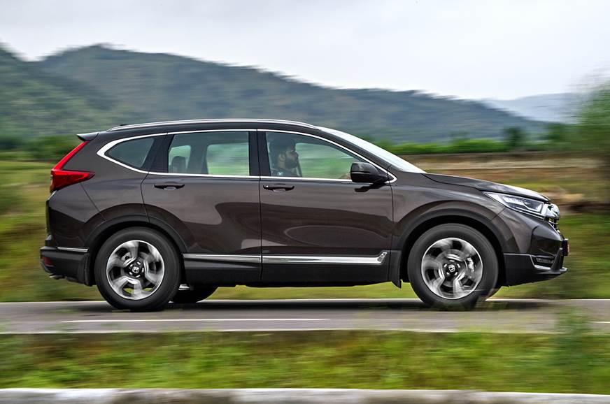 Honda CR-V side action