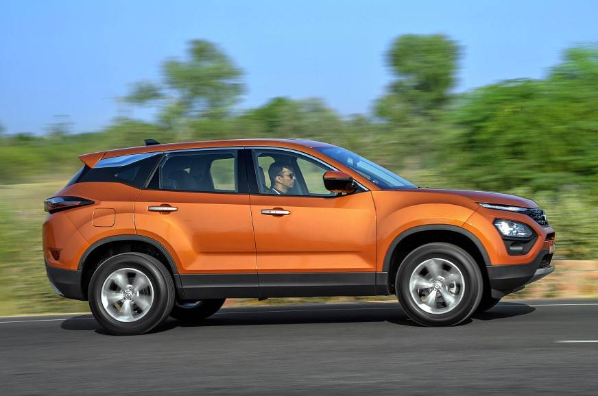 Tata Harrier side action
