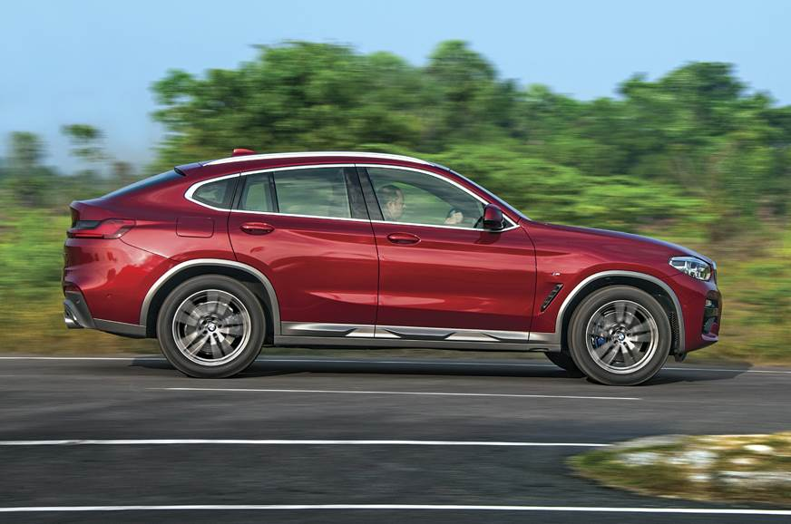 2019 BMW X4 side action