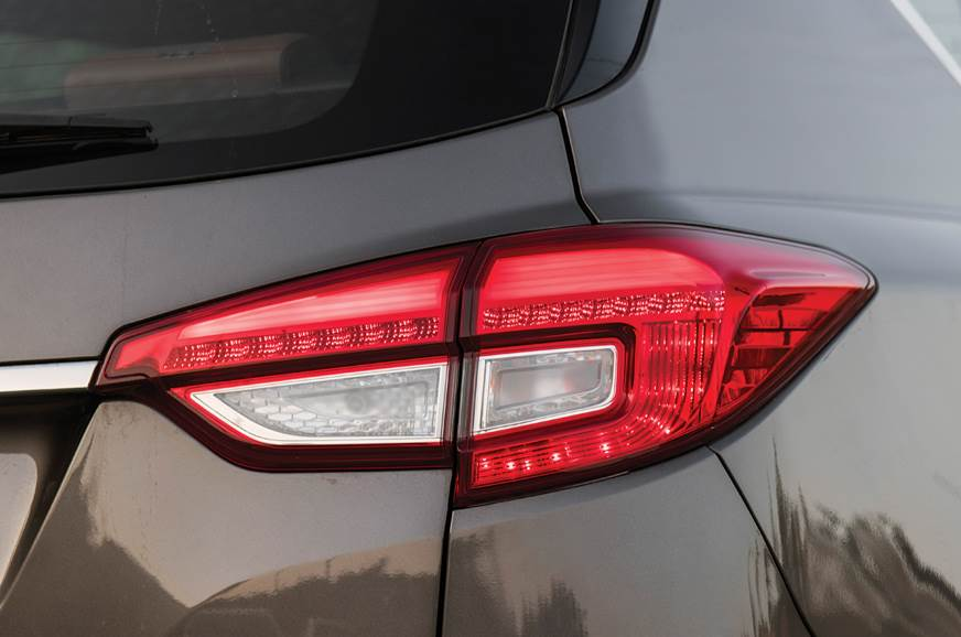 2019 Mahindra Alturas G4 tail-lamp