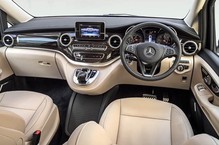 2019 Mercedes-Benz V220d dashboard