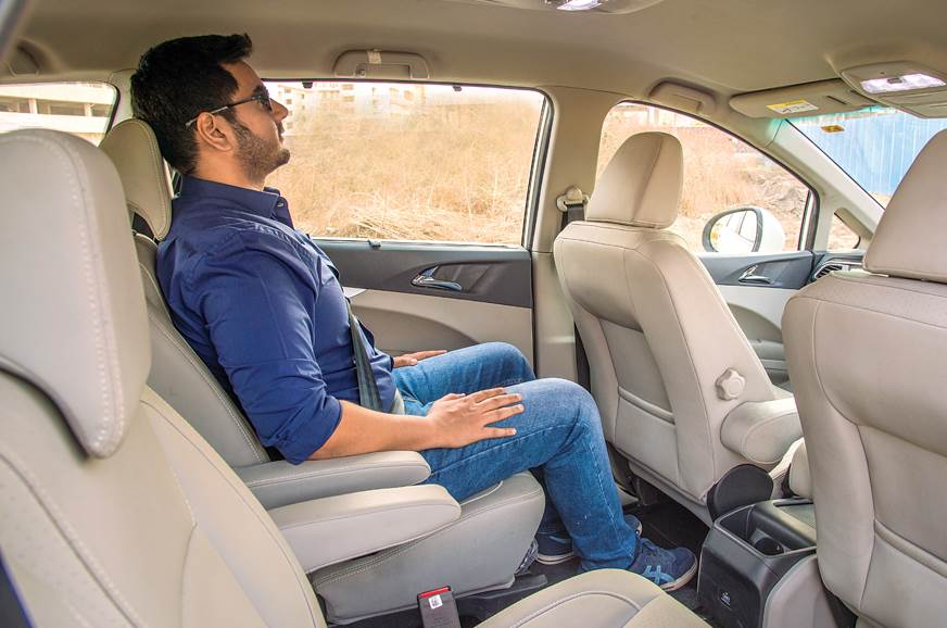 Mahindra Marazzo second row seats