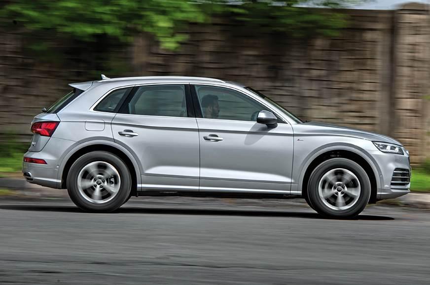 Audi Q5 45 TFSI side action