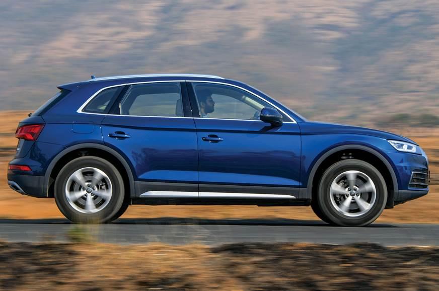 Audi Q5 side action