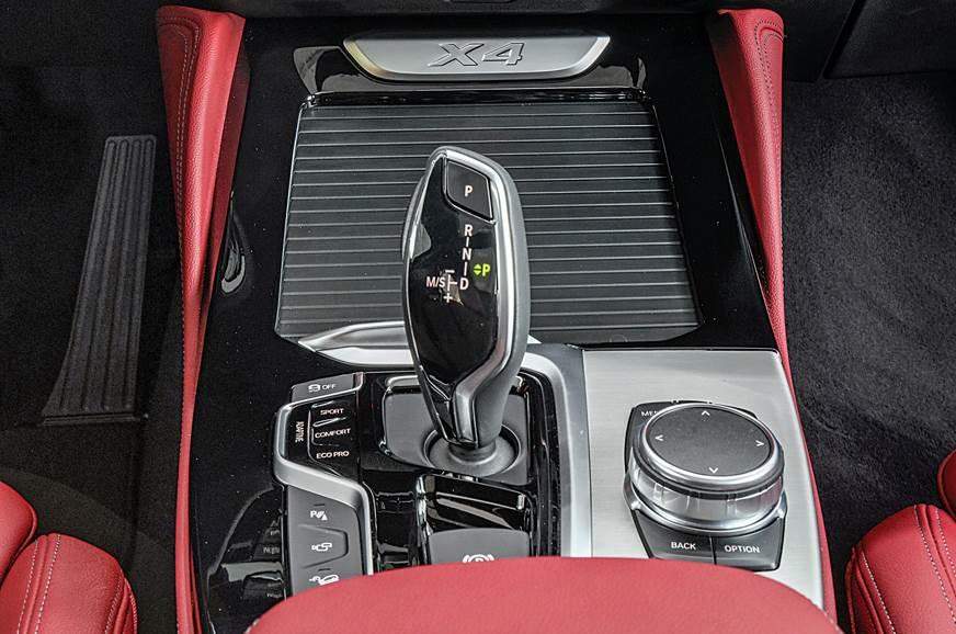 BMW X4 infotainment