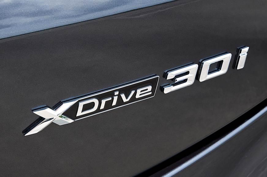 BMW X4 logo