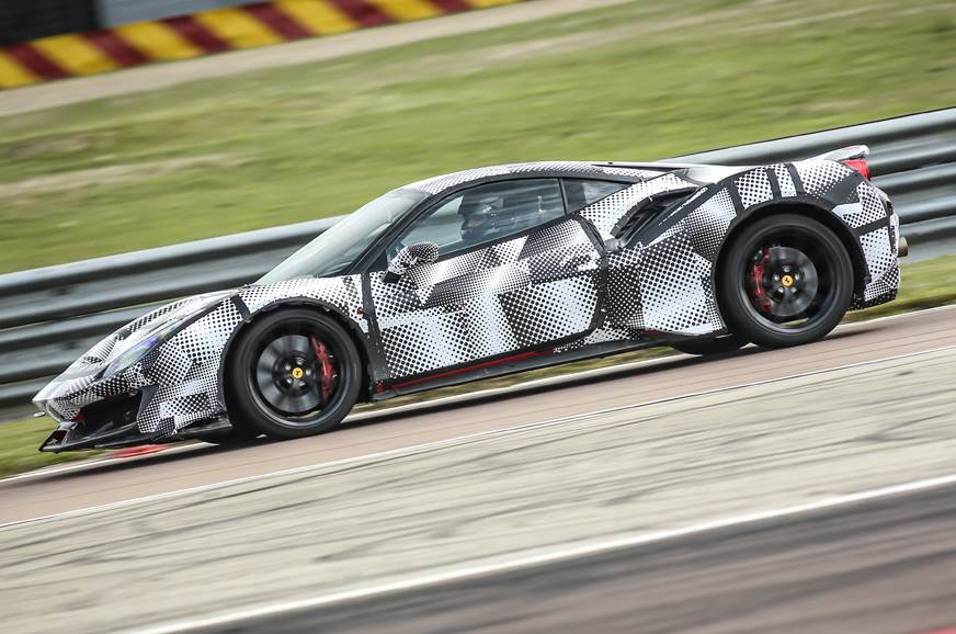 Ferrari 488 Pista side action