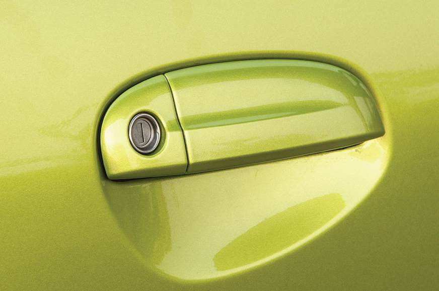 Hyundai Santro door handle