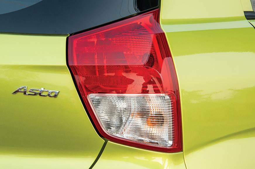 Hyundai Santro tail-lamp