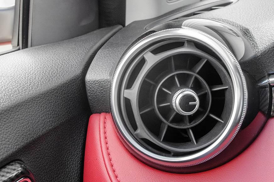 MG 6 rear AC vent